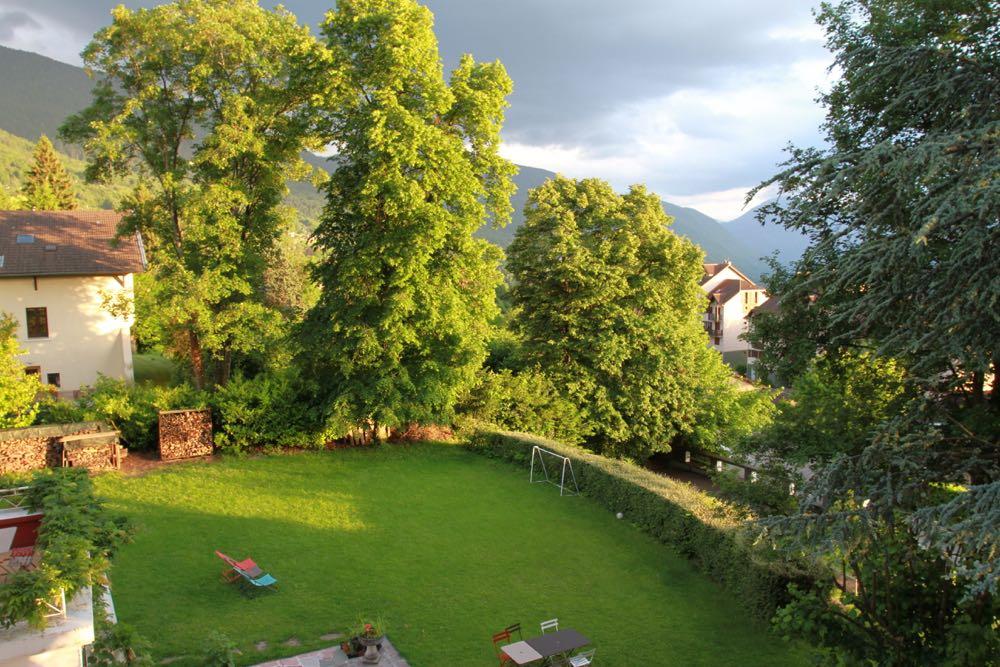 La terrasse des oiseaux – Villa du Luquet – ST MARTIN D\'URIAGE